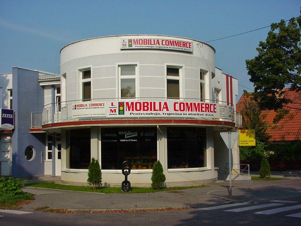 Oc lm mobilia commerce d o o delovni as naslov telefon for Mobilia zoo